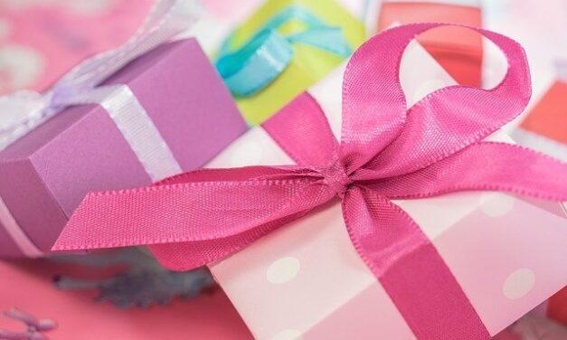 Tipy na dárek k narození dítěte roku 2021